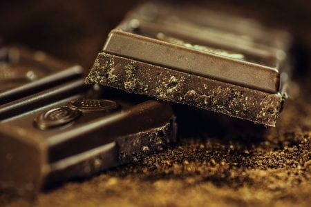 Black chocolate effectively lowers the level of stress hormones